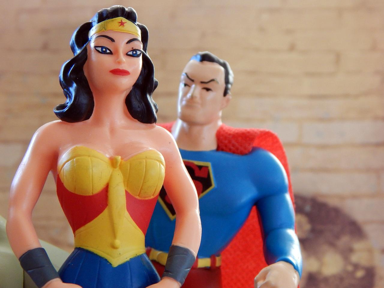 Attraktiv androgyne frauen tinispeucon: Dunkle